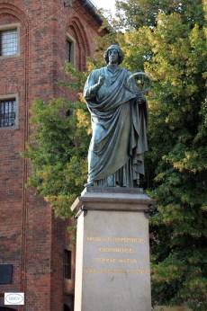 Copérnico estatua