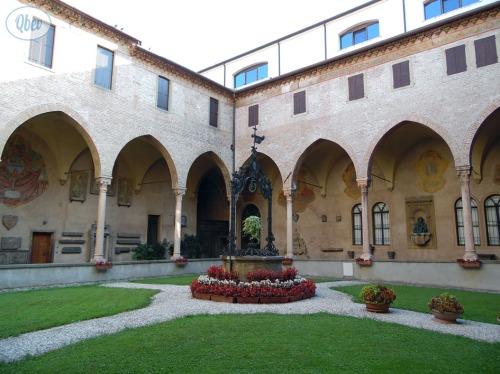 Claustro Basílica San Antonio